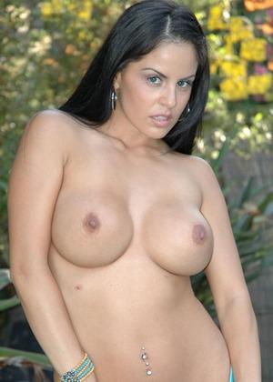 rosie perez pictures in bikini