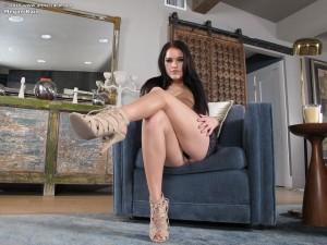 Megan-Rain-vibrator-porn(4)
