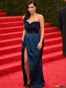 kim-kardashian-brunette-babe(7)